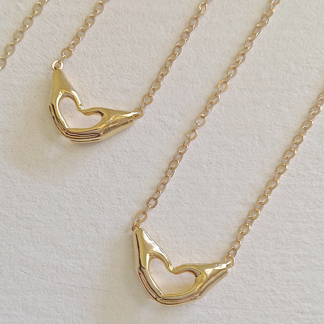 Love Hands Charm Pendant Necklace in Gold