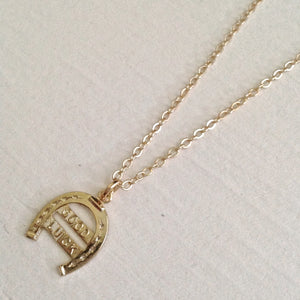 "limited Vintage ""Good Luck"" horseshow charm necklace in gold"