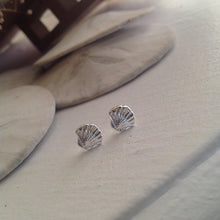 Load image into Gallery viewer, SIlver seashell stud earrings