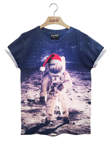 BATCH1 CHRISTMAS SPACEMAN ASTRONAUT WITH SANTA HAT XMAS FASHION MENS T-SHIRT