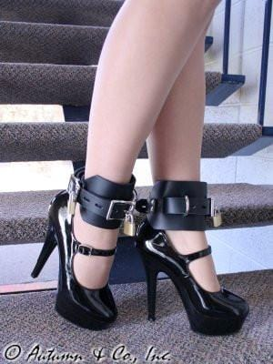 702A    Deluxe Locking Ankle/Elbow Cuffs, Black Leather - Sub-Shop.comWrist and Ankle Bondage - 2