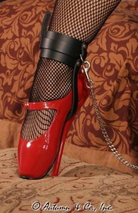 751A    Buckling Ankle & Shoe Cuffs, Black Leather - Sub-Shop.comWrist and Ankle Bondage - 10