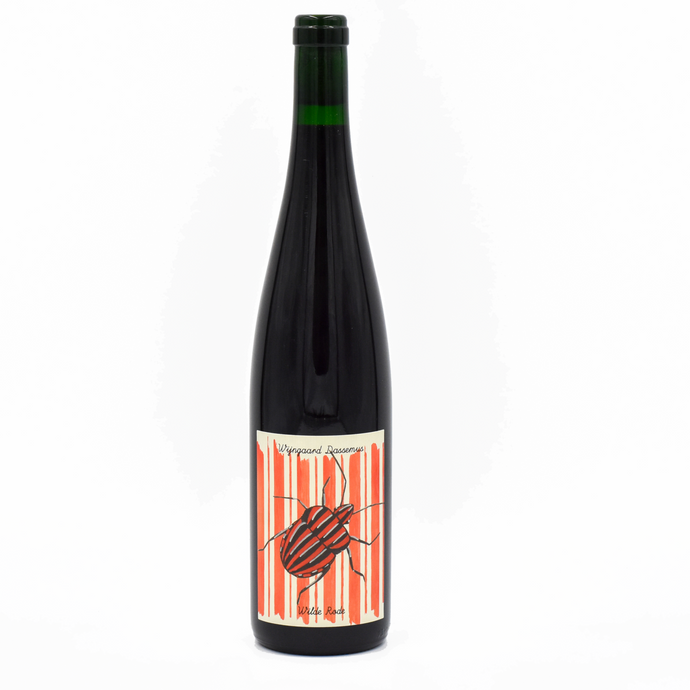 Natural wine red