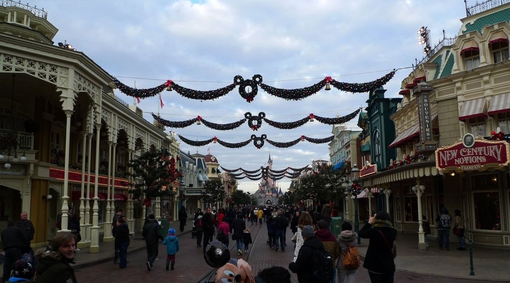Christmas Decorations at Eurodisney | My Christmas