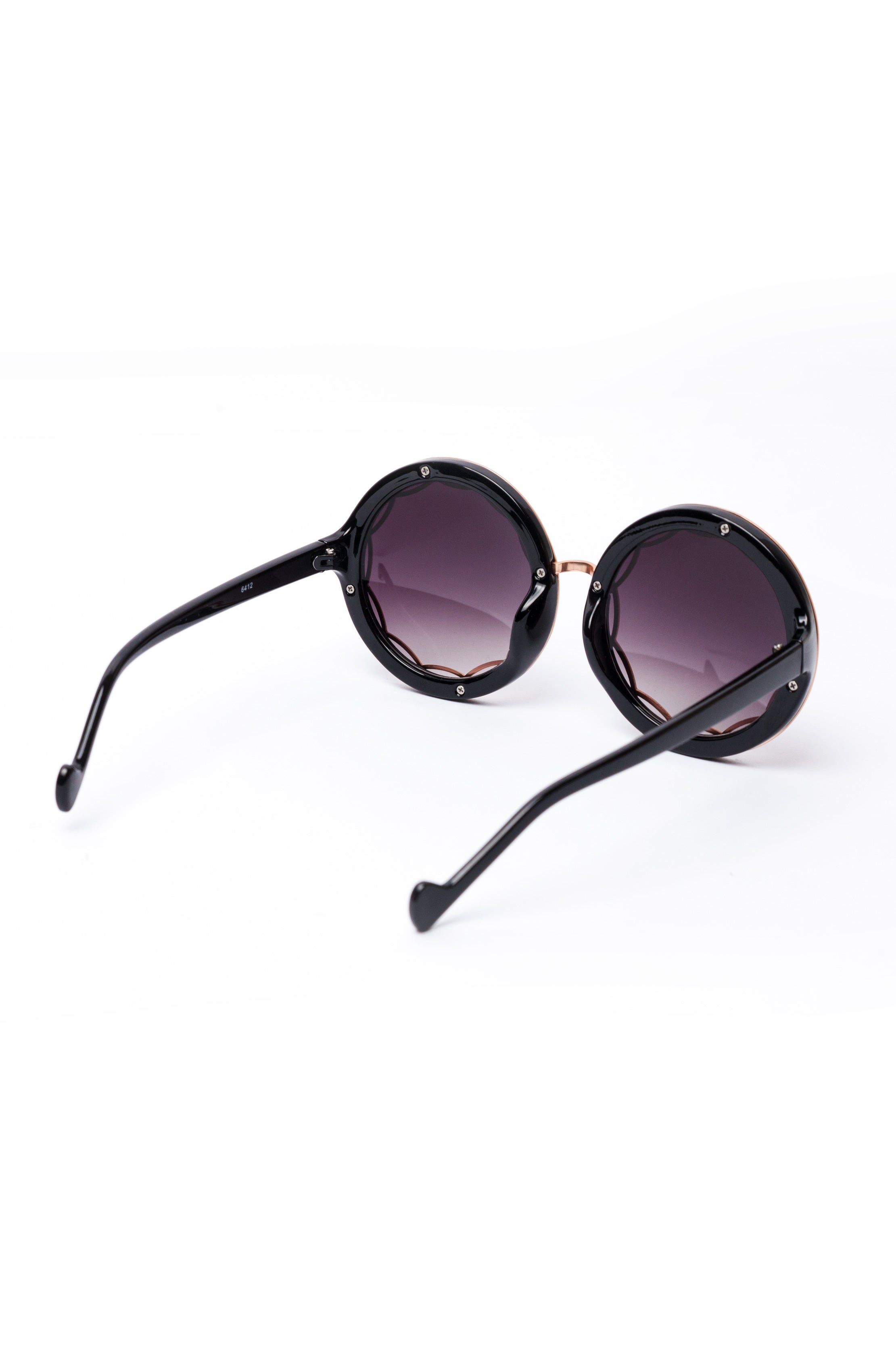 Oversized Metal Frame Sunglasses – Cecil Lee