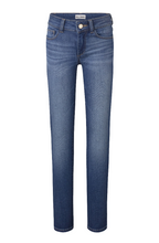 Load image into Gallery viewer, DL Chloe Skinny Jean - Parula