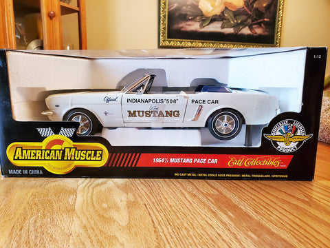 ERTL American Muscle 1964½ Ford Mustang Indy 500 Pace Car 1:12