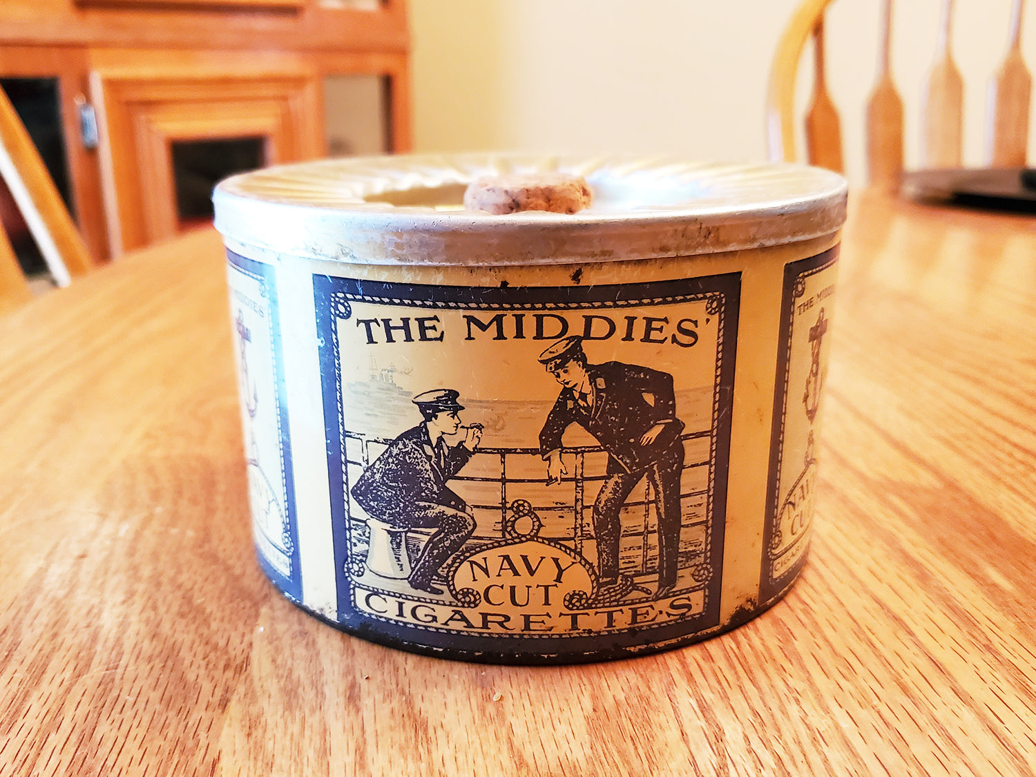 Cheinco The Middies Navy Cut Cigarettes tin