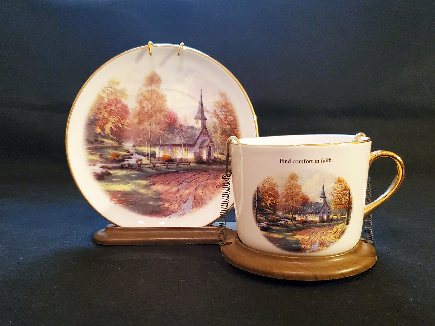 "Thomas Kinkade ""The Aspen Chapel"" Decorative Cup Saucer Set With Stand"