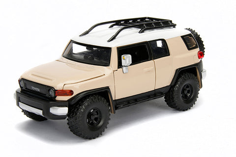 Toyota FJ Cruiser 1:24 - Assorted colors