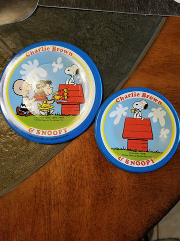 1958 Charlie Brown & Snoopy tin plate. Set of 2