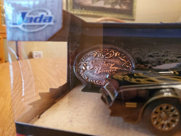 SMOKEY and the BANDIT 1977 Pontiac Firebird Trans Am 1:24 Jada 8 in. with BUCKLE