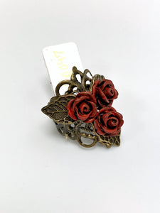 Three Small Rose Triangle Leaf Ring - Red
