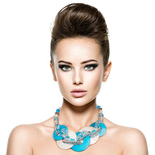 Cargar imagen en el visor de la galería, Blue and White Beaded Disc Necklace Set