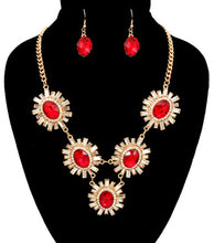 Load image into Gallery viewer, Flower Pendant Necklace Set