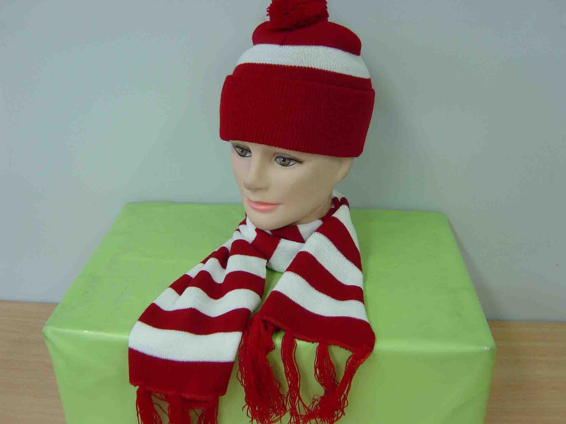 Hat - Wally Red & White Stripe Beanie w/Scarf