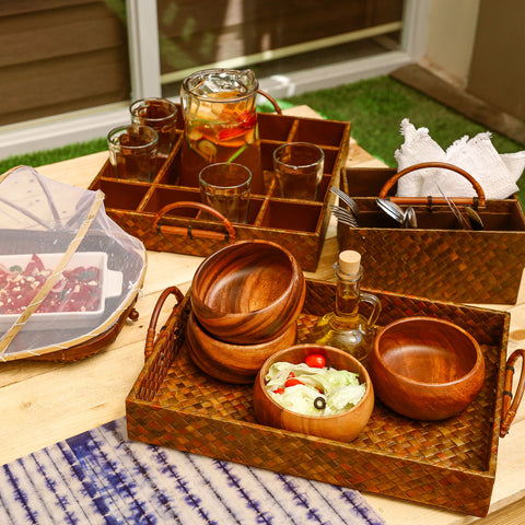 What You Need for a Fun-filled Backyard Picnic. Blog post by Domesticity