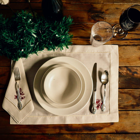 Table Set Ups for Christmas Dinners in the Philippines.
