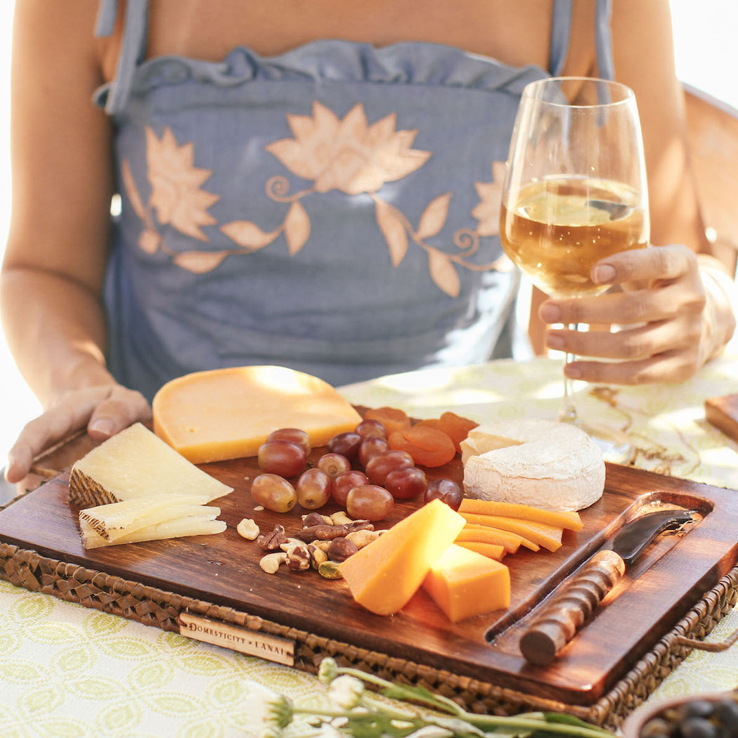 Lila Cheese Board with Carabao Horn Knife (Domesticity x Lanai)