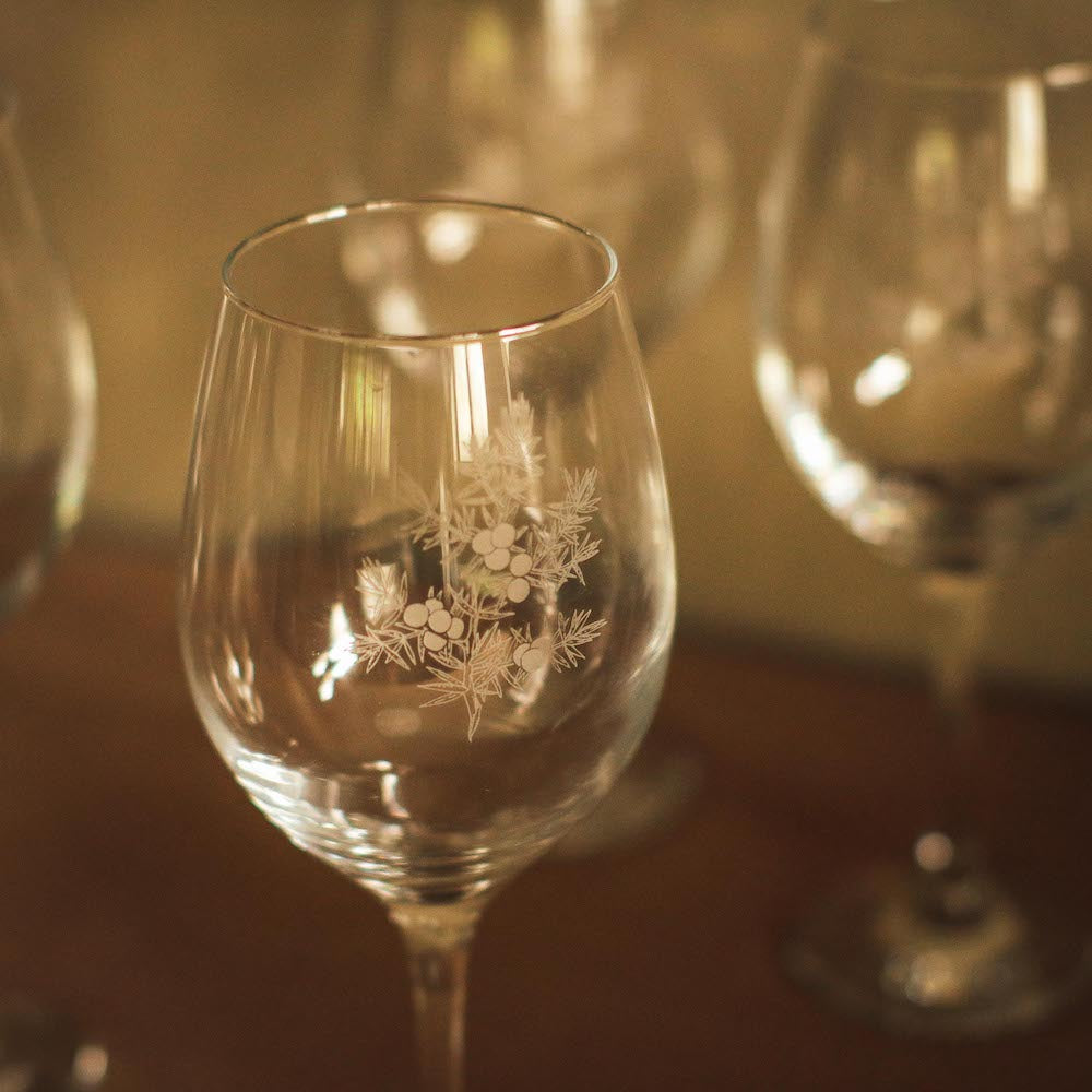 Noelle Etched White Wine Glass Set of 4