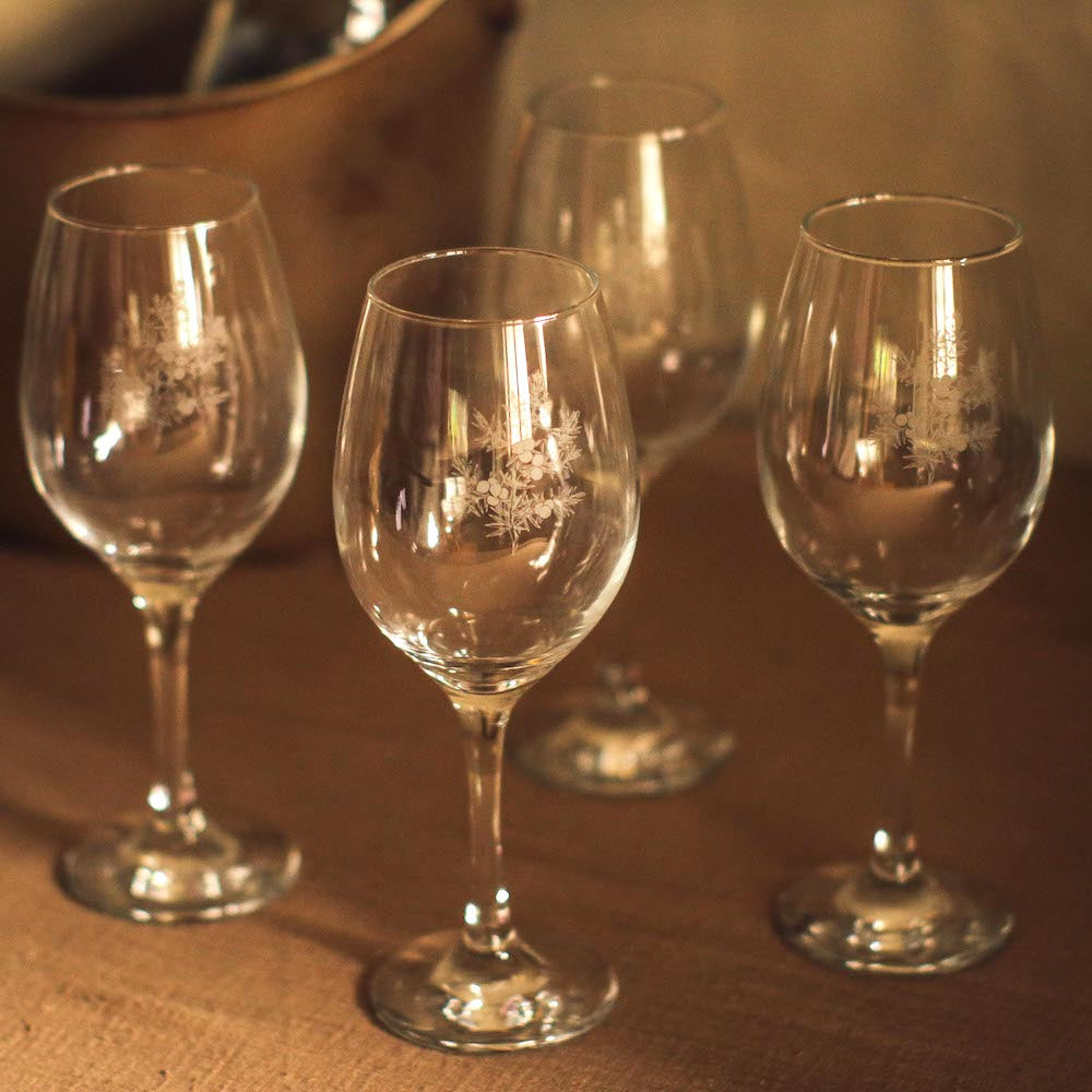 Featuring an etched juniper design, this set adds timeless and classic elegance to intimate gatherings for this holiday season. White wine glasses available in the Philippines through Domesticity.