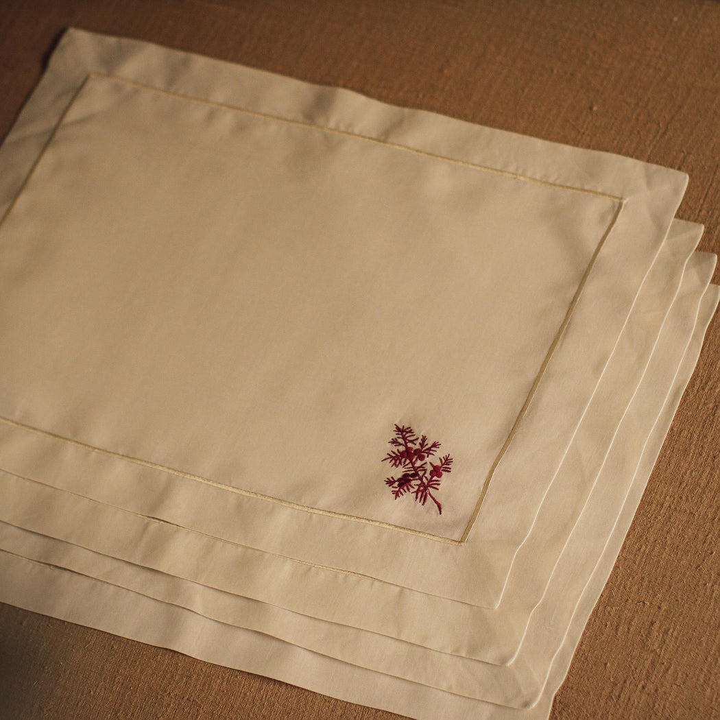 Noelle Embroidered Placemat Set of 4 – Beige & Maroon