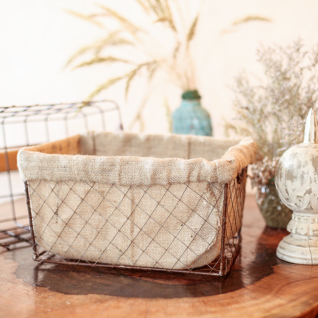 Provence Wire Basket with Jute Sack lining