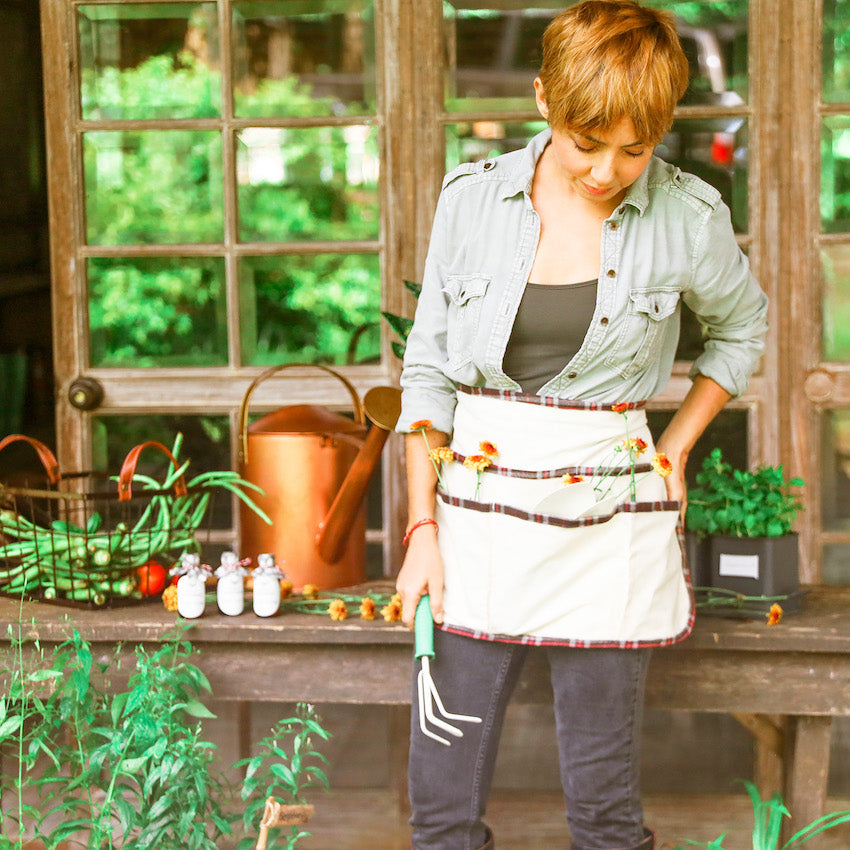 The Zoë Off White Canvas Garden Apron ( Domesticity x Hindy Weber )