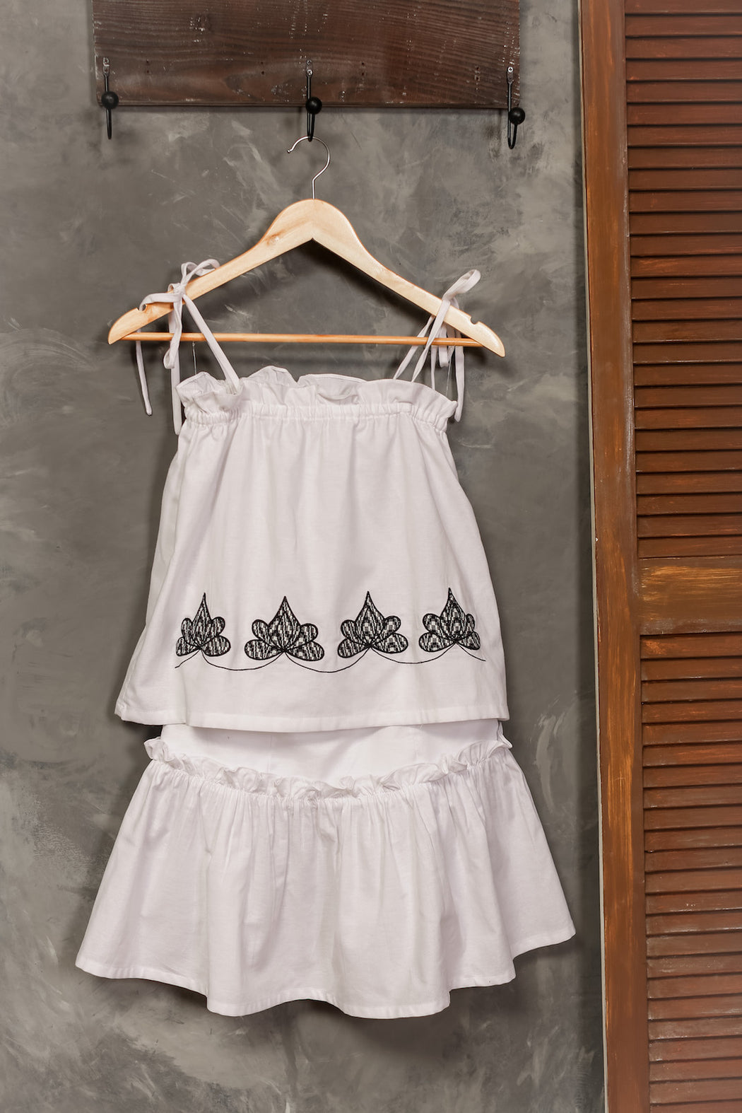 Gaia Embroidered Top & Skirt Set - White