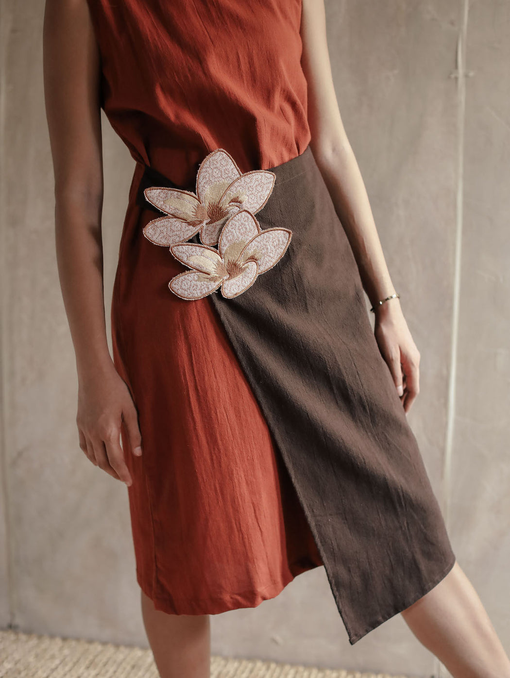 Olivia Embroidered Shift Dress - Rust Brown & Dark Brown