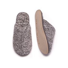 Load image into Gallery viewer, Barefoot Dreams Women's Cozy Slipper