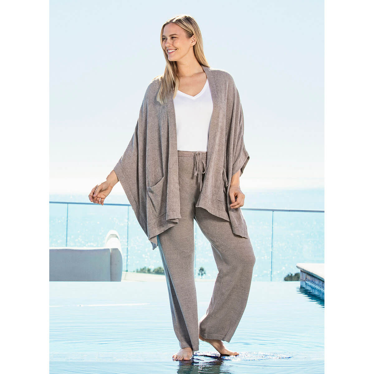 Barefoot Dreams the Cozy Chic Ultra Lite® Kimono Wrap Beach Rock