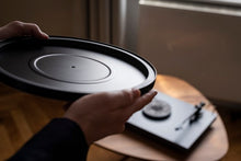 Load image into Gallery viewer, Pro-Ject Debut Carbon EVO (New Model 2020)