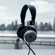 Load image into Gallery viewer, GRADO SR325e Headphones