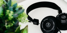 Load image into Gallery viewer, GRADO 80 Headphones (SR80e)