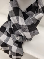 Winter Scarf Buffalo plaid black & white