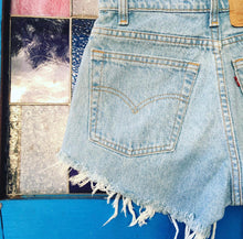 Load image into Gallery viewer, Vintage Levi Shorts