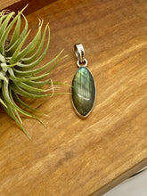 Load image into Gallery viewer, Marquise Labradorite Pendant