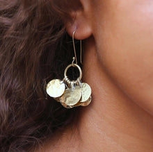 Load image into Gallery viewer, Floos Cluster Earrings
