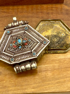 Vintage Detailed Silver Box Pendant with Blue and Red Glass