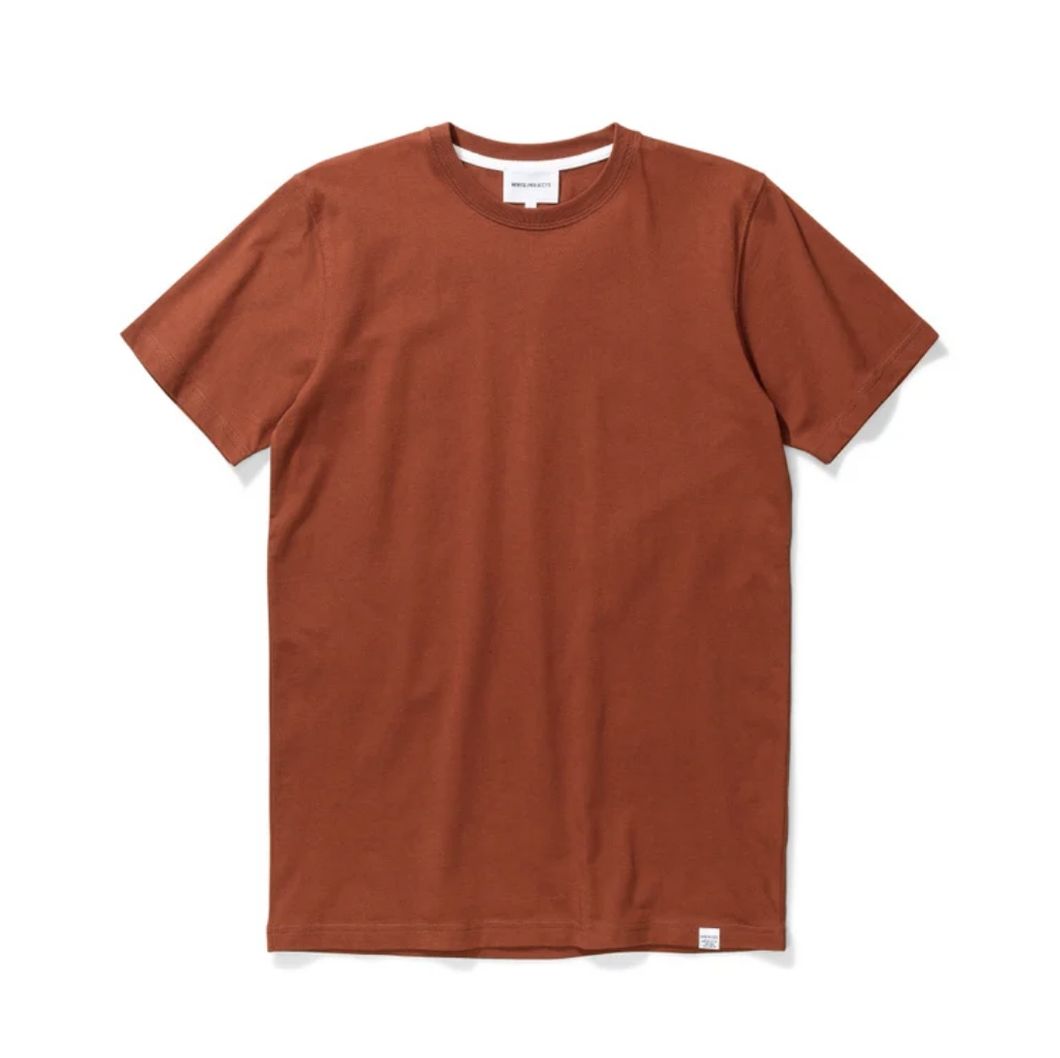 Norse Projects - Niels Standard SS - Madder Brown