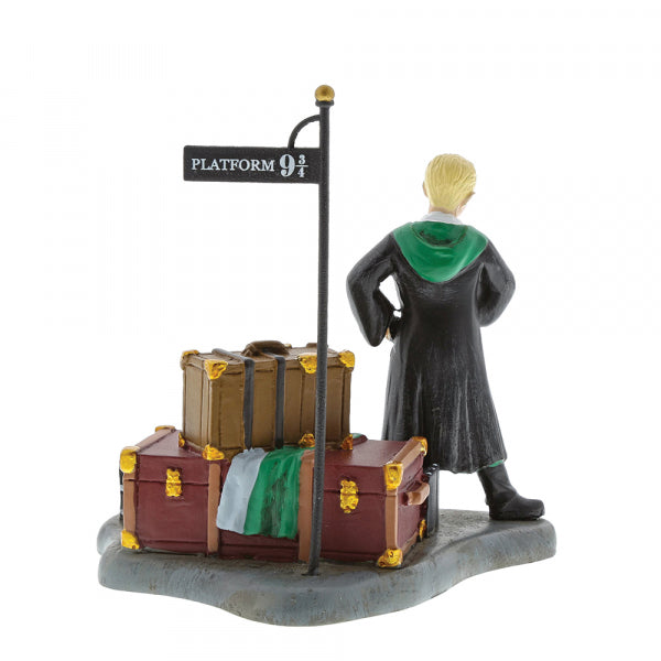 HARRY POTTER VILLAGE - DRACO WAITS AT PLATFORM 9 3/4