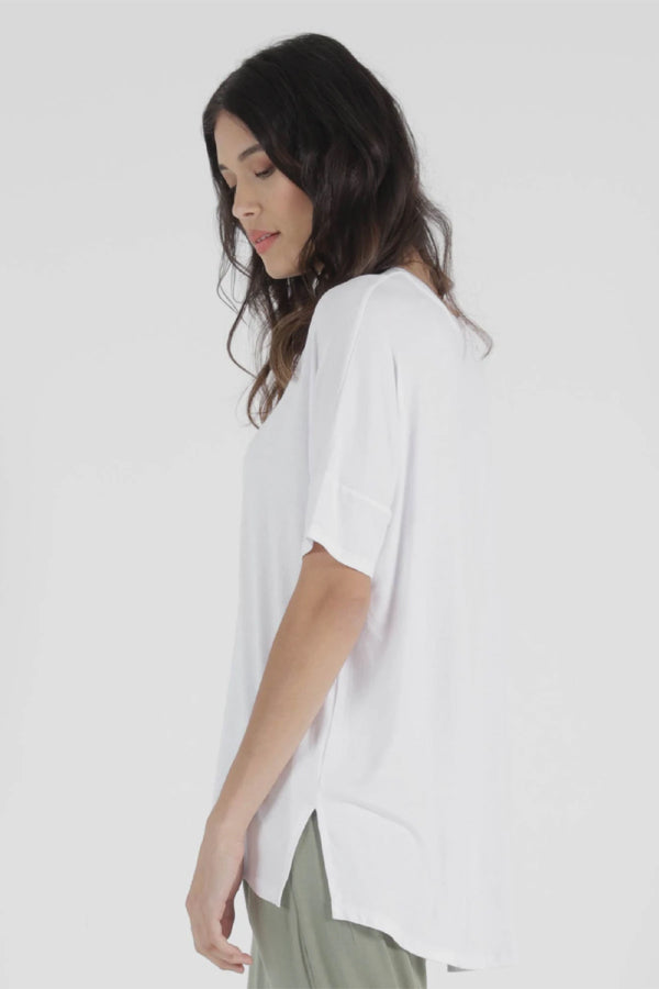 Cambridge Tee - White || Betty basics