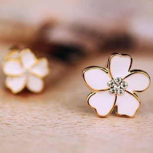 JIOFREE Korea Style Flower Shape Enamel Clip on Earrings Without Piercing for Girls Party Cute Lovely No Hole Ear Clip jewelry