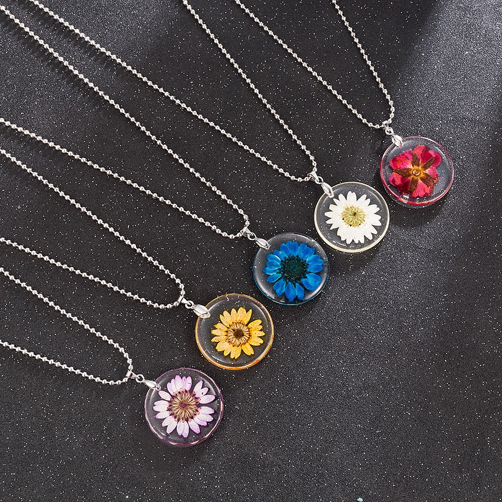New 5 Style Daisy Rose Handmake Punk Gothic Boho Transparent Resin Dried Flower Pendants Long Chian Charms Necklace Jewelry