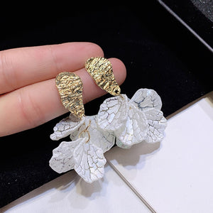 JIOFREE Korean White Shell Crack Flower Petal Clip Earrings For Women 2020 New Cute Sweet Irregular Earrings Trendy Jewelry Gift