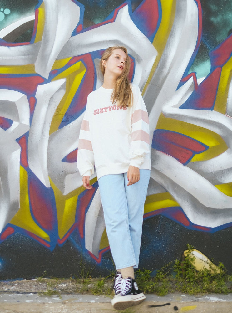 Load image into Gallery viewer, Lettice Linch Sweatshirt In White