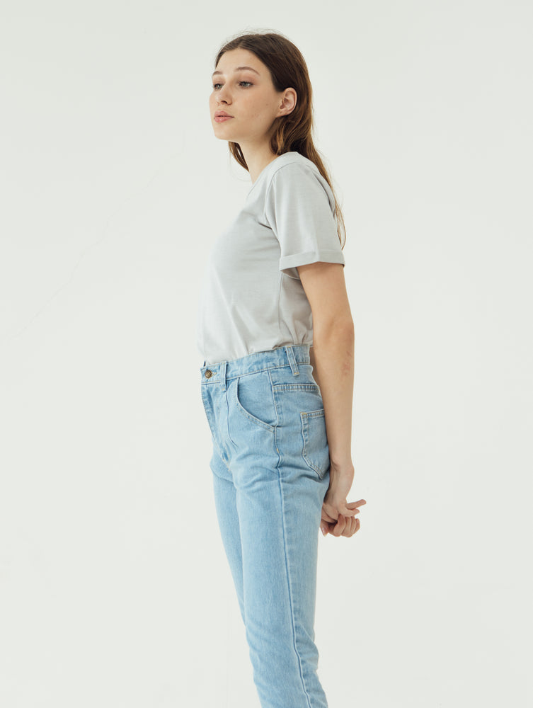 Number 61 Lipat Basic Women T-shirt in Light Blue