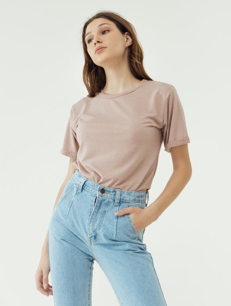 Number 61 Lipat Basic Women T-shirt in Blush Pink