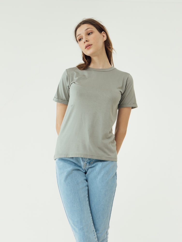 Number 61 Lipat Basic Women T-shirt in Green